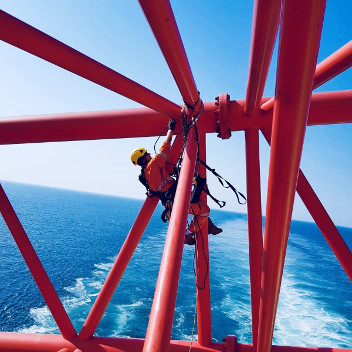 Rope access marine offshore